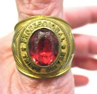 PROFESSIONAL TRUCK DRIVER RING CLASS RING SIZE 8 GOLD RED STONE VINTAGE