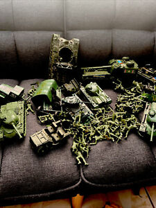 Large Lot Of Vintage Army Men Green Plastic With Tanks Trucks Some Tim-mee Mark