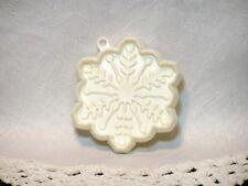 Hallmark Vintage Plastic Cookie Cutter - Snowflake Winter Christmas Nature