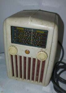 Antique Vintage AWA Radiola Upright Bakelite Valve Tube Radio