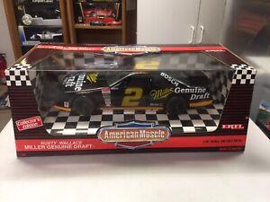 1:18 DUJUAN DIECAST American Muscle race car Rusty Wallace MILLER GENUINE DRAFT