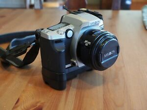 Minolta Maxxum 5 35mm SLR w/50mm lens and BP-200 battery pack
