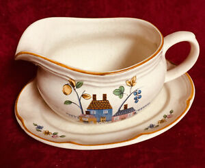 INTERNATIONAL HEARTLAND GRAVY BOAT with UNDERPLATE #21450