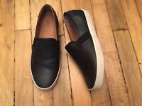 FRYE DYLAN SLIP ON LEATHER WOMENS SHOES LOAFERS NWOB SIZE 7.5
