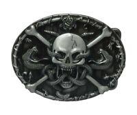 Boucle de ceinture serpents et tête de mort pirate.