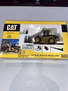 Norscot Cat 924G Wheel Loader 1:50 Scale #55057 Collectible Die Cast Model New