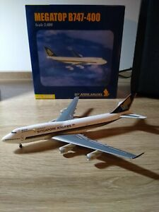Herpa 1:400 Singapore Airlines Megatop B747-400