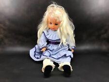 ancienne poupée de marque Bella, yeux dormeurs poupon jouet ancien robe