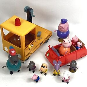 Peppa Pig  Bundle Grandad Pick Up Truck With Sounds, Car And 11 Figures
