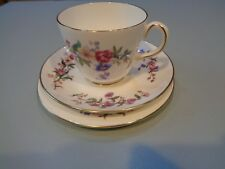 WEDGWOOD TRIO CUP SAUCER SIDE PLATE DEVON SPRAYS PINK FLORAL  TEA PARTY (ref63)