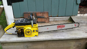 """VINTAGE COLLECTIBLE MCCULLOCH MAC 10-10 AUTOMATIC CHAINSAW WITH 20"""" BAR"""