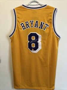 Kobe Bryant Autographed Signed Los Angeles Lakers Basketball Jersey. COA. NWT