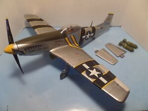"""ULTIMATE SOLDIER 1/18 SCALE P-51 """"THE FLYING UNDERTAKER"""""""