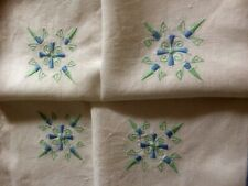 VINTAGE LINEN EMBROIDERED Tablecloth Delicate Embroidery Design