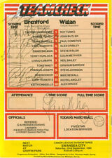 Autographed programme : 11 Brentford and 3 Wigan Athletic 8/9/1984