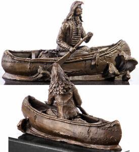 BRONZE INDIANER 'BRAVE EAGLE' in KANU bzw. INDIANERBOOT - NATIVE AMERICAN INDIAN