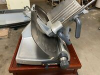 Hobart 2812 Commercial Countertop Electric Meat Cheese Deli Slicer 1/2 HP 120v