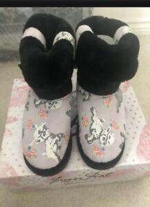 Iron Fist Lamb Chop Fugly Boots Size 6