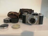 Akarette with Schneider Kreuznach Xenar 1:2.8/45 - Vintage Camera