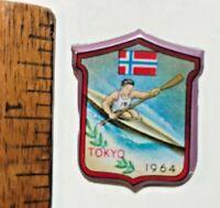 1964 VINTAGE TOKYO OLYMPIC GAMES MEN'S KAYAKING NORWAY TIN TOY PIN BADGE NM!!!