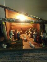 BEAUTIFUL VINTAGE NATIVITY SET & LIGHTED CRECHE MADE IN ITALY - FIGURES ATTACHED