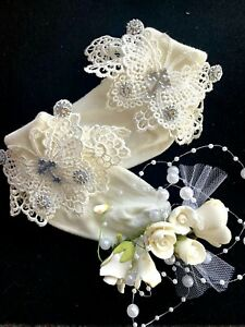 CHRISTENING-IVORY LACE ANKLE SOCKS-DIAMANTE CROSS-VINTAGE LACE
