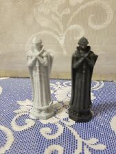 Harry Potter Wizard Chess 2002;  Black and White(Gray) Queens Replacement Pieces