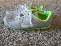 Nike Youth Athletic Running Shoes Sneakers Gray Size 6.5