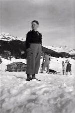 Jeune garçon ski skieur montagne neige  - Ancien négatif photo an. 1930