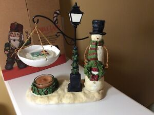 New with box Yankee Candle Hanging Snowman Tart Burner Warmer Lamppost Tea Light