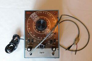RCA RF SIGNAL GENERATOR TYPE WR-50B 105-130 VOLTS 50-60 HZ