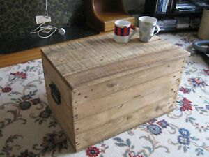 RUSTIC WOODEN STORAGE BOX CHEST TRUNK COFFEE TABLE