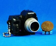 Takara Tomy Pentax Kamera Figur Keychain Dekoration 1:3 K-7 Black Modell A537