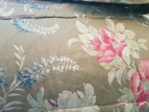 Ralph Lauren  Full Queen Comforter + 2 Standard Shams Taupe floral.