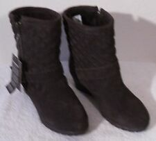 NEW BearPaw Natasha Womens Sheepskin Lined Quilted Wedge Boots 7 Chocolate $100