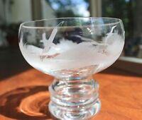 GORGEOUS ARTIST SIGNED VINTAGE LEAD CRYSTAL ETCHED FOOTED GLASS BOWL OCEAN GULLS