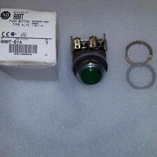 ALLEN BRADLEY 800T-B1A PUSH BUTTON GREEN W/ 800T-N310 PROTECTIVE RING