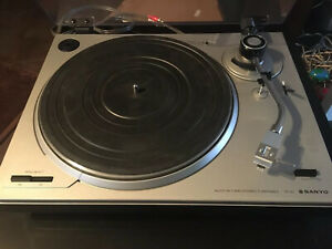 platine vinyle, Sanyo TP20, Bras En S, Avec Capot Plexiglas, Hifi Vintage.