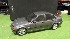 BMW  318 i gris au 1/18 de UT MODELS 80430028459 voiture miniature de collection