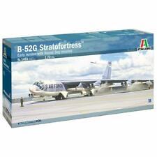 Italeri 1451 B-52G Stratofortress with Hound Dog Missilles 1:72 Plastic Model