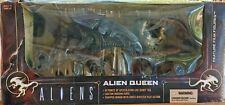 2003 McFarlane Toys – ALIENS: Aliens Queen Deluxe Figures - NIB