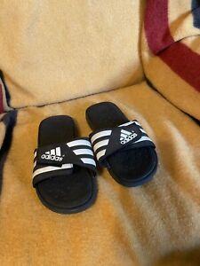 ADIDAS Slides USA Mens sz 8 Sandals Black & White Hook & Loop Closure Top