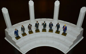 EIGHT FORMER U.S. PRESIDENT FIGURINES MARX NEVER MADE + DISPLAY STAND