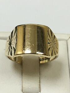 Hefty 9 Carat Yellow Gold GENTS SIGNET Ring