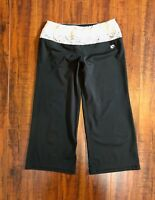 New York & Company IN MOTION XS Black Flower Crop Work Out Capri Gym Yoga Pants