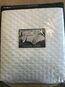 J Queen New York Zilaria Full/Queen Coverlet bedspread white