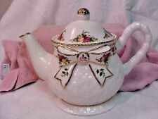 ROYAL ALBERT OLD COUNTRY ROSES BASKETWEAVE COFFEE/TEAPOT W/LID EXCELLENT 1962