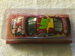 WINNERS CIRCLE NASCAR #9 KASEY KAHNE 1:24 2004 DODGE POPEYE 75TH ANNIVERSARY