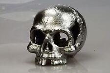 Büste Metall Totenkopf Skulptur menschlicher Schädel Kopf Gußeisen Silber