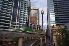 Signe en métal train monorail 512059 avec toits de Sydney en Australie de fond A4